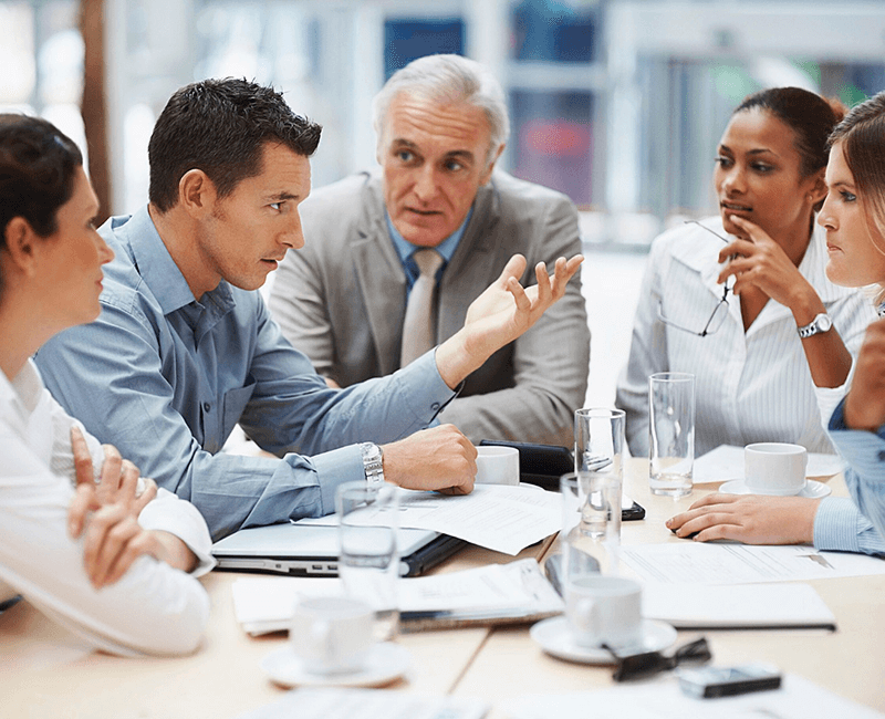 web-comunicazione-italia-e-commerce-business-meeting